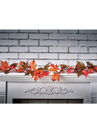 Main Lighted Maple Leaf Garland
